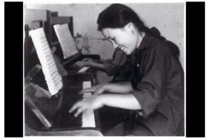 Mme-Mao-m-a-envoyee-dans-un-camp-Par-Zhu-Xiao-Mei
